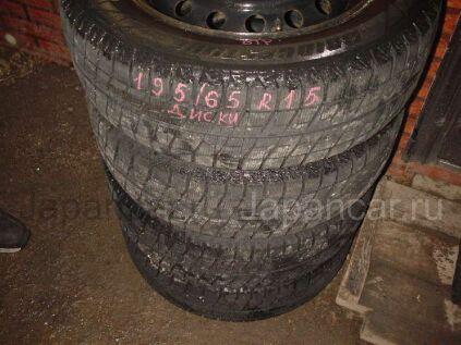Зимние шины Bridgestone 195/65 15 дюймов б/у в Уссурийске