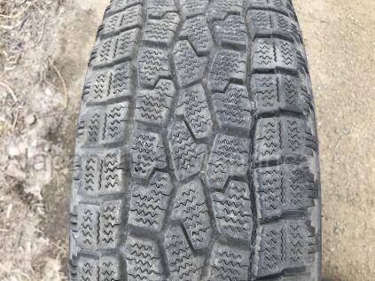 Зимние шины Falken 215/60 16 дюймов б/у во Владивостоке