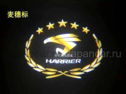 Эмблема на Toyota Harrier во Владивостоке