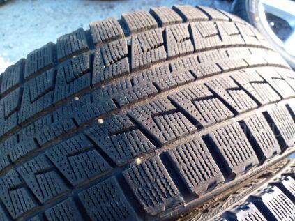 Зимние шины Bridgestone Blizzak revo 2 235/45 17 дюймов б/у в Челябинске