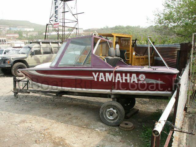 лодка пластиковая YAMAHA STR14 1992 года