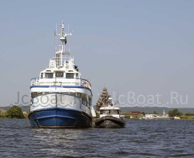 яхта моторная морское прогулочное 1987 года