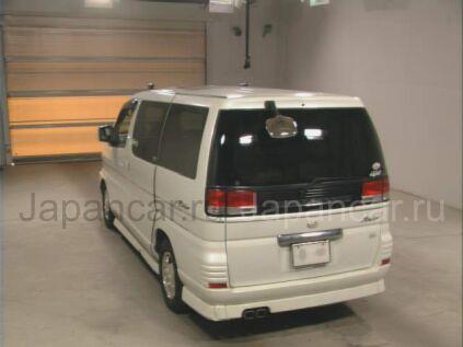 Nissan Elgrand 2000 года в Японии
