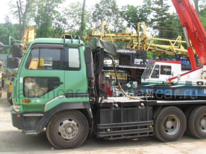 Седельный тягач NISSAN Diesel CW631G 1999 года во Владивостоке