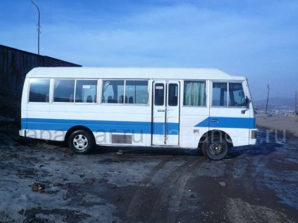 Автобус Nissan CIVILIAN 1990 года во Владивостоке