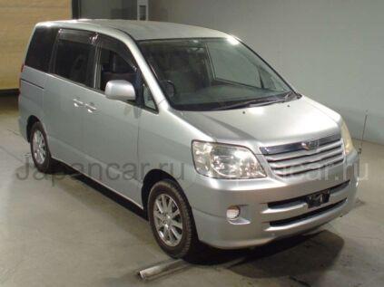 Toyota Noah 2004 года во Владивостоке