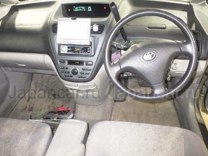Toyota Opa 2000 года во Владивостоке