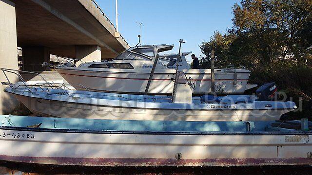 лодка пластиковая YAMAHA 1995 года