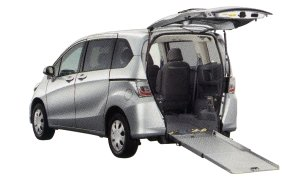 Honda Freed X Wheelchair-accessible model 2014 г.