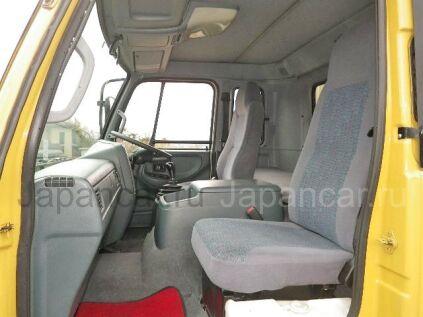 Фургон UD TRUCKS CONDOR 2003 года во Владивостоке