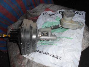 Главный тормозной цилиндр на Honda Stream RN1 D17A