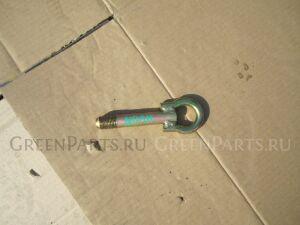 Крюк буксировочный на Toyota Noah AZR65,AZR60