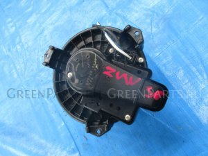 Мотор печки на Toyota Prius ZVW30