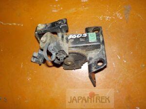 Подушка двигателя на Toyota Premio ZZT240 1ZZ