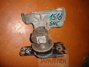 Подушка двигателя на Nissan Tiida SNC11 HR15 1516