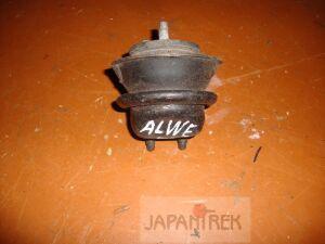Подушка двигателя на Nissan Elgrand ALWE50 ALWE
