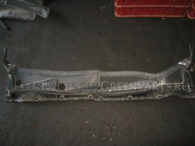 Решетка под лобовое стекло на Nissan Serena C25 MR20