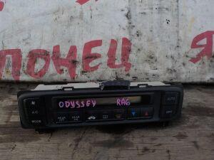 Блок управления климат-контролем на Honda Odyssey RA6 F23A