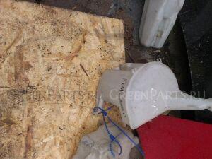 Бачок омывателя на Toyota Funcargo NCP20, NCP21, NCP25