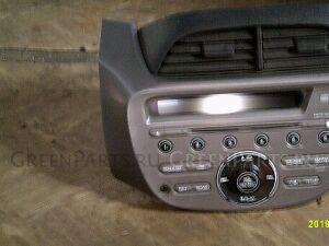 Консоль магнитофона на Honda Fit GE6 L13A