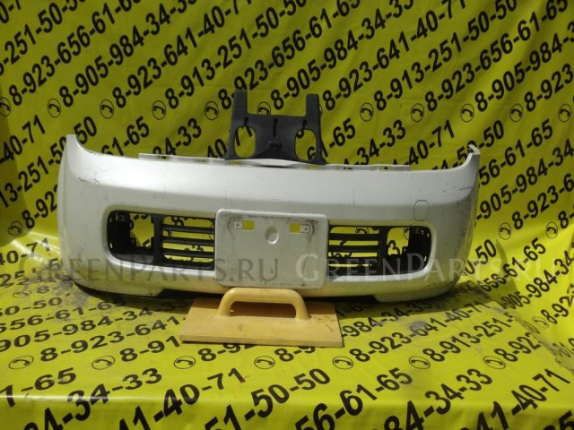 Бампер на Nissan Cube Z11 12-90