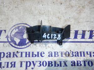 Крепление бампера на Toyota Corolla Fielder NZE141 52562-13060