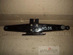 Домкрат на Toyota Estima ACR40W 2AZ-FE