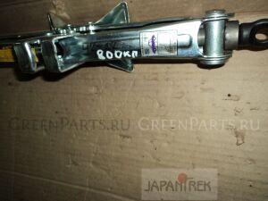 Домкрат на Toyota Voltz ZZE138 1ZZ-FE
