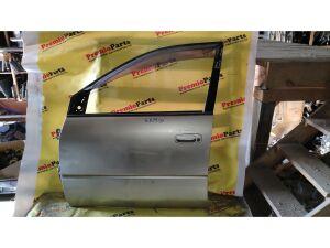 Дверь на Toyota Ipsum SXM10 3S-FE