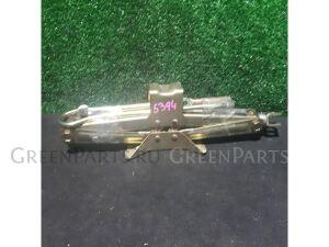 Домкрат на Honda STEPWAGON RF3