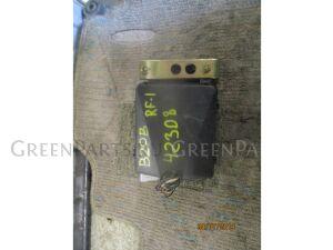 Блок предохранителей на Honda Stepwgn RF1 B20B