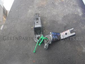 Крепление радиатора на Toyota Sai AZK10