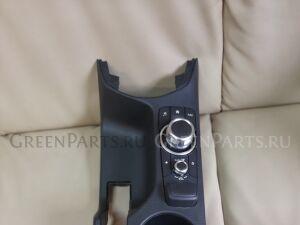 Консоль между сидений на Mazda Demio DJLFS-624339 P5-VPS d09w64431