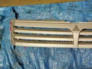 Решетка радиатора на Mitsubishi Chariot N84W 4G64