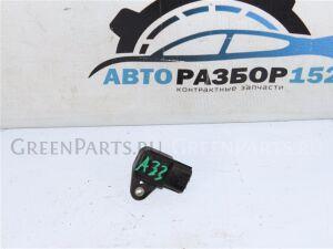 Датчик положения коленвала на Nissan Cefiro A33 VQ20DE 2373135u10