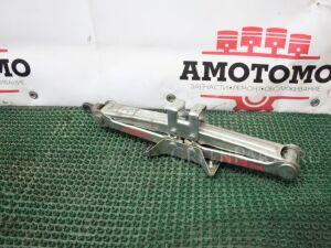 Домкрат на Toyota Carina AT191 7A-FE