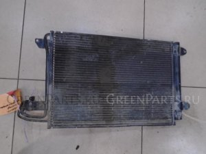 Радиатор кондиционера на Volkswagen Jetta 5 2005-2011