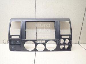 Рамка магнитофона на VW Transporter T5 2003-2015 7H0857237E