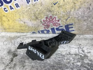 Крепление бампера на Mazda Axela BK5P
