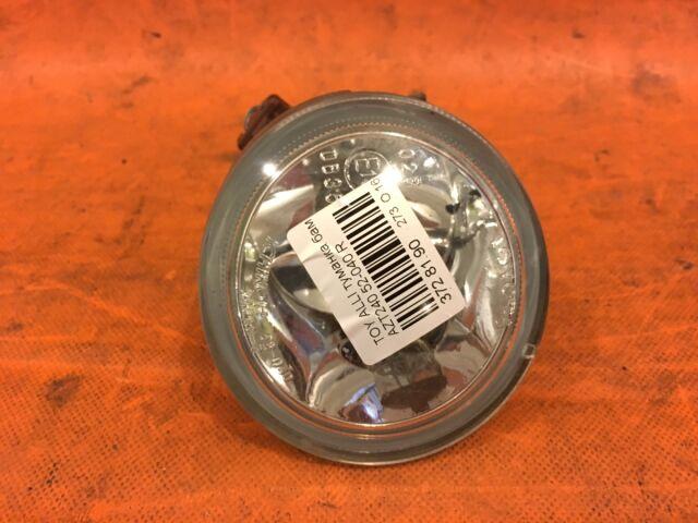 Туманка бамперная на Toyota Raum NCZ20, NCZ25 52-040