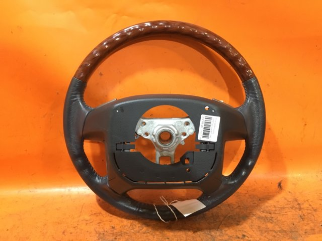 Руль на Toyota Noah ZRR70W