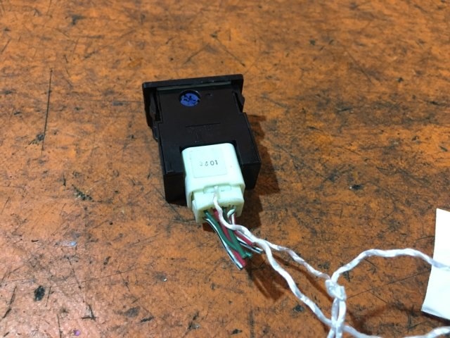 Кнопка корректора фар на Toyota Nadia ACN10, ACN10H, ACN15, ACN15H, SXN15, SXN15H