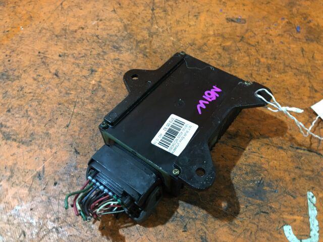 Блок управления инжекторами на Mitsubishi Pajero IO H76W 4G93