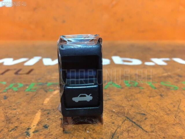 Кнопка на Nissan Bluebird Sylphy KG11
