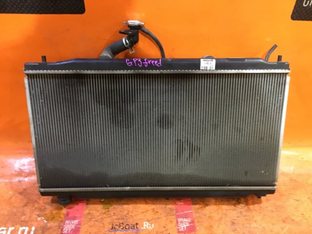 Радиатор двигателя на Honda FREED HYBRID GP3 LEA