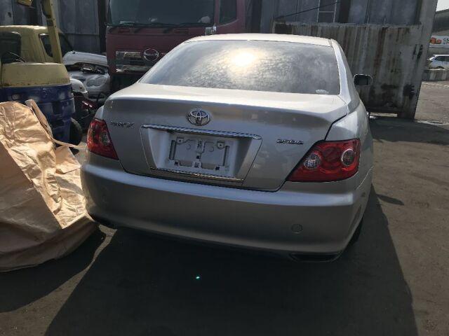 Козырёк от солнца на Toyota Mark X GRX120