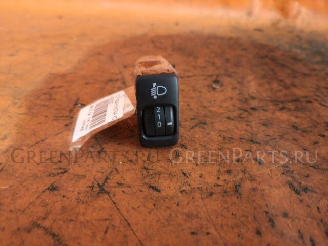 Кнопка корректора фар на Toyota Voxy AZR60G, AZR65G