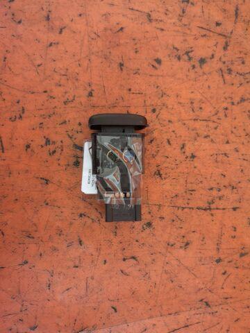 Кнопка на Honda Accord CF4