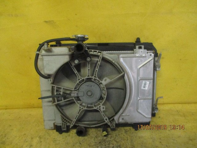 Радиатор двигателя на Toyota Belta KSP92, SCP92 1KR-FE, 2SZ-FE