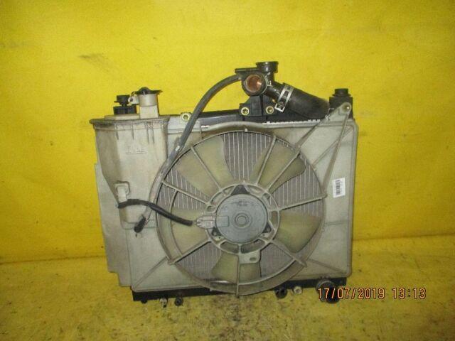 Радиатор двигателя на Toyota Raum NCZ20 1NZ-FE